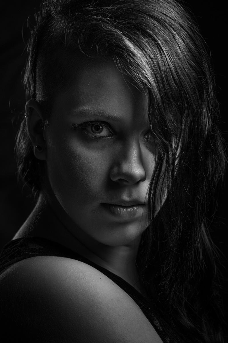 Dramatic Black And White Portraits • Alan Bailward ... - photo#50